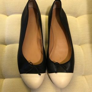 J.Crew Leather Ballet Flats. Like New. Size 10.